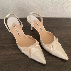Manolo Blahnik vintage satin kitten sling back heels bow 40.5